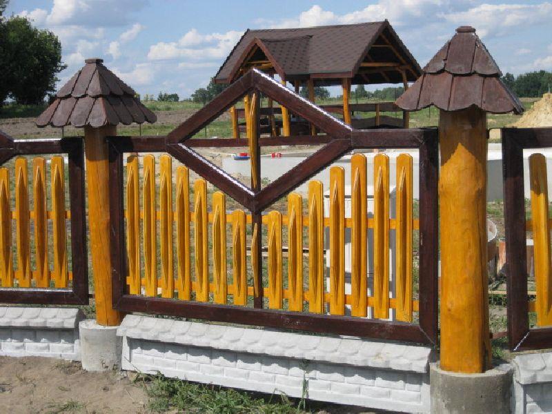 Ogrodzenie drewniane płot dom drewniany sztachety brama ogród